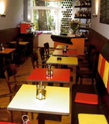 inside restaurant zus en zus amsterdam